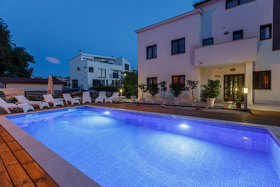 Villa Mala - The pool in the evening